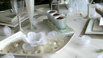 décoration table avec vaisselle jetable